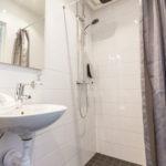 I alla badrum finns såväl tvål som schampo.